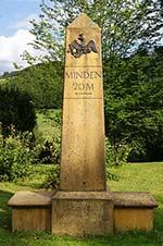 Meilenstein an der Koblenz-Mindener Landstraße bei Bremscheid