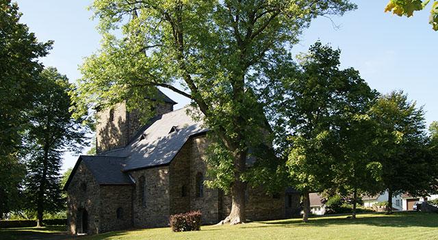 Die spätromanische Dorfkirche in Wiblingwerde