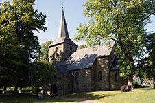 Spätromanische Dorfkirche St. Johannes in Wiblingwerde