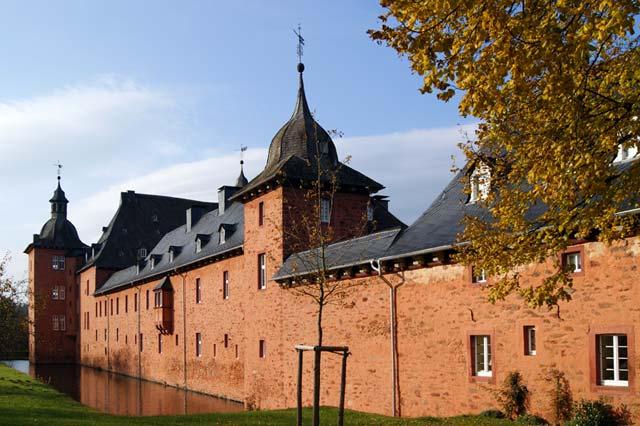 Die Adolfsburg in Oberhundem