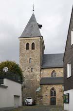 Die evangelische Jakobus-Kirche mitten im Zentrum von Breckerfeld