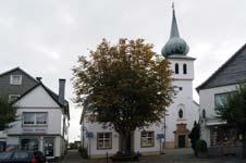 Die katholische St. Jakobuskirche in der Stadtmitte von Breckerfeld