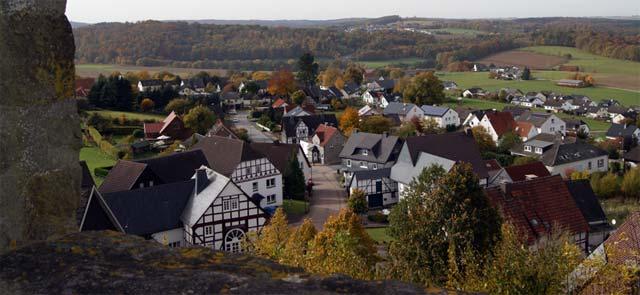 Blick vom Wehrturm der St. Clemenskirche ins Tal