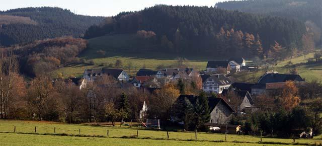 Die Repe entspringt dem Teckelberg oberhalb der Ortschaft Rieflinghausen