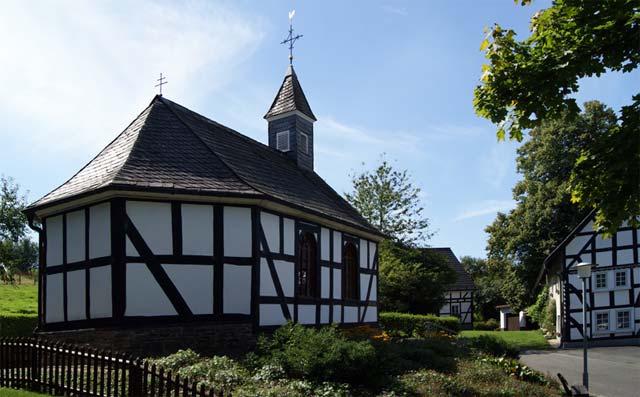 Die katholische Kapelle St. Josef in Rhonard