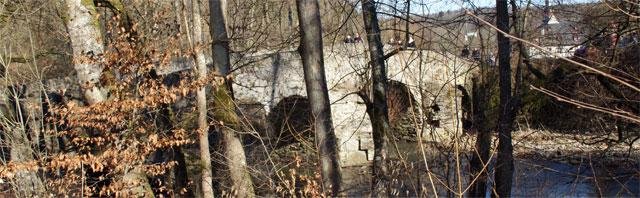 Historische Nisterbrücke zur Abtei Marienstatt