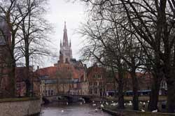 Brügge, Blick vom Minnewater auf die Liebfrauenkirche