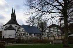 Eslohe mit Pfarrkirche St. Peter und Paul