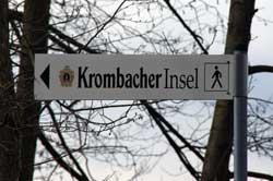 "Wegweiser zur ""Krombacher Insel"