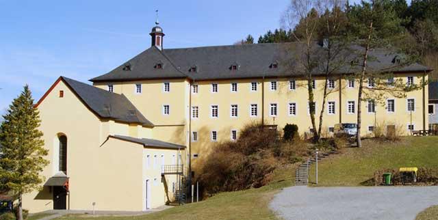 Blick auf das ehemalige Kloster Marienthal