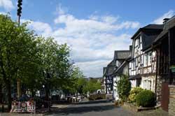 Fachwerkhäuser am Marktplatz in Stadt Blankenberg