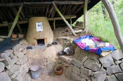 Nachbildung eines keltischen Eisenschmelzofens im historischen Hauberg Fellinghausen