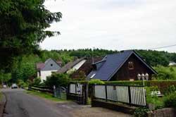 Blick über Heckhaus auf den Heckberg