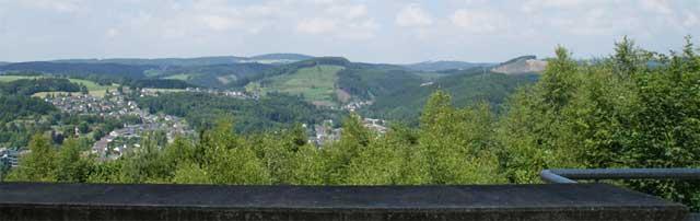 Blick vom Dornerkopf über das Tal der Agger
