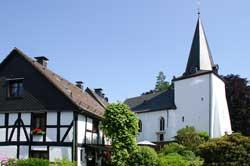 Die Bunte Kirche in Marienhagen