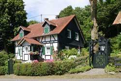 Malerisches Fachwerkhaus in Hecke