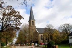 """Pfarrkirche """"St. Johamnnes Apostel und Evangelist"""" in Kreuzberg"""