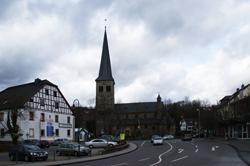 Pfarrkirche St. Walburga in Overath