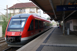 Die Anreise zur Ginsberger Heide erfolgt mit der Rothaar-Bahn