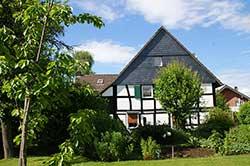 Anwesen mit Bauerngarten in Wolperath