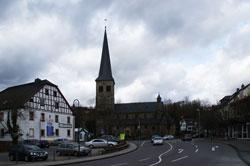 Katholische Pfarrkirche St. Walburga in Overath