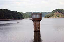 Wasserentnahmeturm der Wahnbachtalsperre