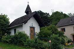 Die Kapelle zu Ehren der Mutter Gottes und der heiligen Agatha in Honscheid