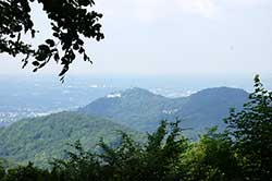 Blick von der Löwenburg auf den Drachenfels