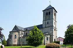 Katholische Pfarrkirche St. Johannes der Täufer in Uckerath