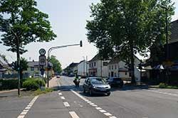Die Cölnische Hohe Heer- und Geleitstraße, die heutige B 8, ist eine historische Handelsstraße