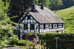 Die ehemalige Hermesmühle im Hanfbachtal