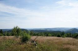 Blick vom Südhang des Kahlen Asten auf die Höhendörfer Lenneplätze und Langewiese