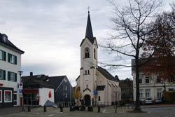 Die am 6.6.1877 eingeweihte evangelische Kirche am Markt in Wipperfürth wurde an der Stelle der ersten evangelischen Kirche erbaut, die beim Stadtbrand von 1795 zerstört wurde