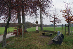 Wegkreuz bei Großblumberg