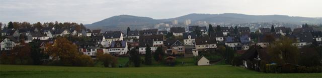 Blick über Fellinghausen zum Kindelsberg und zur Martinshardt