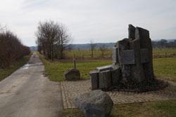 Blick zurück über das Denkmal der Schlacht bei Kircheib