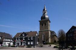 Markt mit Reformierter Kirche in Radevormwald