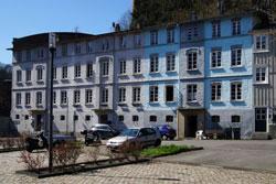 In unmittelbarer Nähe zur Fabrik baute das Unternehmen viele Werkswohnungen, so dass an dieser Stelle ein kleines Stadtviertel entstand