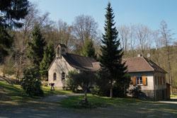 Die Waldkirche nahe dem Wupperdamm gehört bereits zu Lennep