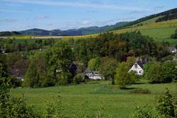 Blick hinunter auf Schloss Bruchhausen