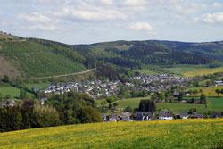 Bruchhausen mit dem Langenberg