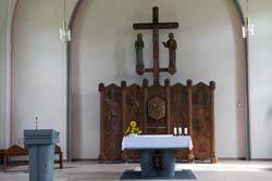 Altarraum der Pfarrkirche St. Michael in Holthausen