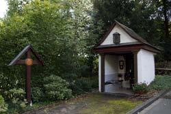 """Die Kapelle """"Maria in der Not"""" am Seltersberg aus 18. Jahrhundert gilt als eine der schönsten Wegekapellen im Raum Arnsberg"""