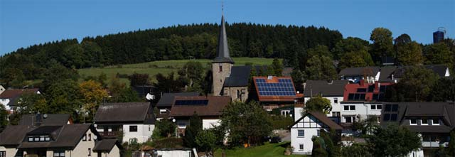 Rahrbach mit St.-Dionysius-Kirche