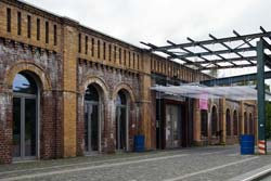 Direkt am Siegfall produzierte ab 1891 die Elmore's Metall Actien Gesellschaft Kupferröhren