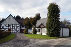 """Auf dem """"Kalten Hof"""" in Werntrop steht die Kapelle zu Ehren der Hl. Agatha"""