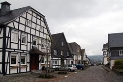Die Weststraße in Eversberg