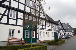 Ackerbürgerhaus aus dem Jahre 1741 an der Stadtmauer in Eversberg