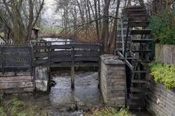 Das Wasserrad am Holzklaubach