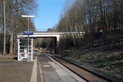 Start dieser Etappe des Siegerlandwegs ist der Haltepunkt Stift Keppel - Allenbach